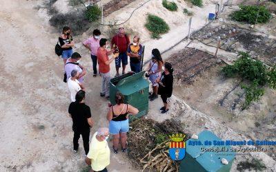 Aprendiendo sobre compostaje en el Huerto Urbano